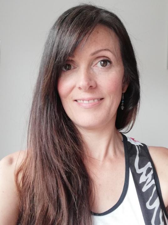 Yvonne Ní Laife